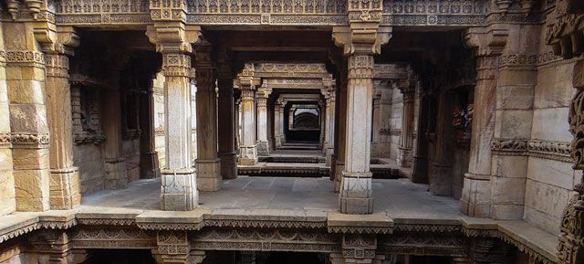 Vav or step well
